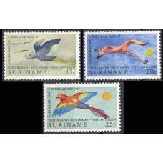 1971 Surinam Mi.593-595 Air service anniversary 4,50 €